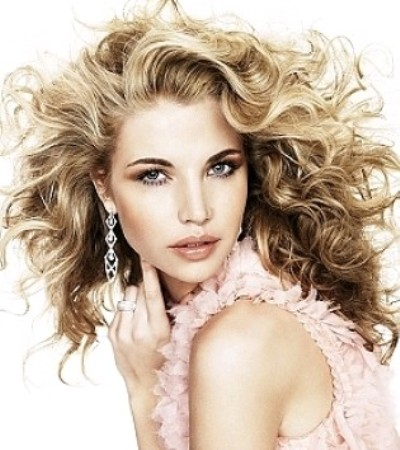 Curly-Hairstyles-Trends-2015