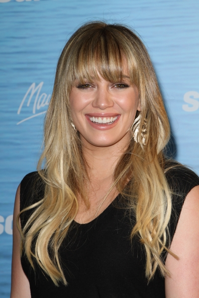 Hilary Duff's blonde hairstyle