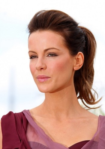 Kate-Beckinsale-Loose-Ponytail-Hairstyle-Photo