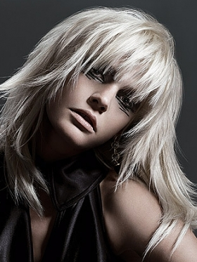 long layered hairstyles platinum