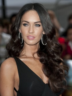 megan-fox-hairstyles-long-wavy
