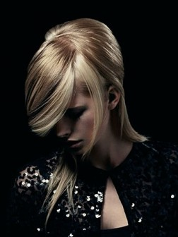 Glam Medium Hairstyles Ideas1