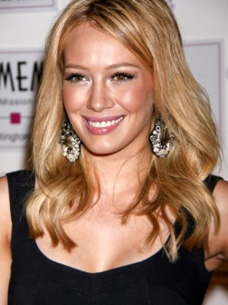 Hilary Duff curls
