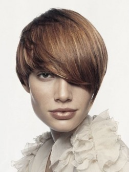 Short Layered Haircut 01