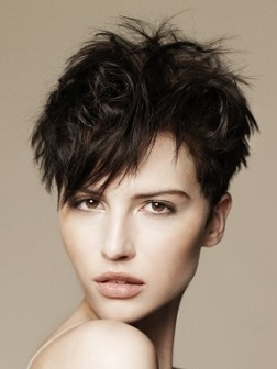 Short Layered Haircut 02