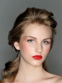 gloss ponytail