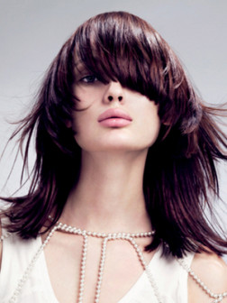 embedded_heavy-layered-shoulder-length-hairstyle