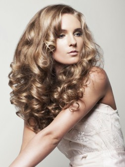 curly hairstyles for blonde hair